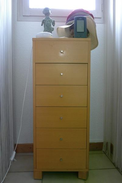 rajeunissement d une commode semainier habitat journal photographique de sylvie. Black Bedroom Furniture Sets. Home Design Ideas